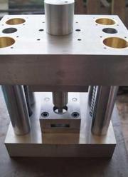 Штамп вирубний,  виробниче обладнання,  лінія для,  інженерні рішення